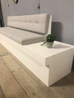 Kitchen Sofa, Kitchen Seating, Dining Room Corner, Dining Nook, Diy Bench Seat, Medical Office Design, Small House Interior Design, Built In Seating, Living Room Decor