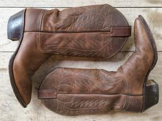 Vintage cowgirl boot size 6.5 fits up to size 7 by romaarellano