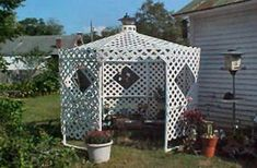 Diy Garden Art Projects Pvc Pipes Ideas For 2019 Pvc Pipe Crafts, Pvc Pipe Projects, Outdoor Projects, Diy Projects To Try, Greenhouse Frame, Greenhouse Plans, Gazebo Curtains, Pvc Furniture, Homemade Greenhouse