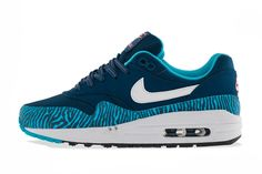 NIKE AIR MAX 1 GS (BRAVE BLUE TIGER) | Sneaker Freaker