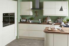 Cooke & Lewis Appleby High Gloss Cream with Integrated Handle . × by image Appleby High Gloss Cream Free Kitchen Design, Diy Kitchen, Kitchen Ideas, Kitchen Designs, Kitchen Inspiration, Contemporary Kitchen Diy, B&q Kitchens, Fitted Kitchens, Cream Kitchens