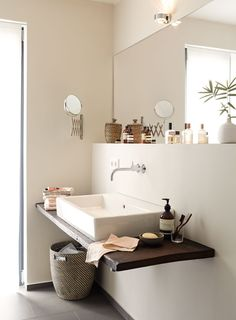 brown Bathroom Decor Alpina Feine Farben: edelmatte Wandfarben in Braun - - Bad Inspiration, Bathroom Inspiration, Laundry In Bathroom, Small Bathroom, Brown Bathroom Decor, Bathroom Colors, Bathroom Ideas, Beautiful Bathrooms, Wall Colors