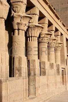 The colonnade in the inner courtyard of the Temple of Isis of Philae, which was moved downstream of the Aswan Dam in Egypt. Ancient Egyptian Architecture, Cedar Forest, Epic Of Gilgamesh, Beautiful Architecture, Modern Architecture, Patio Interior, Archaeological Site, Egyptian Art, Places Around The World