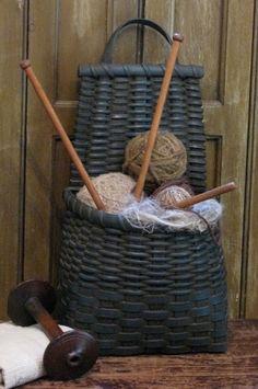 Cesta de hacer punto  -  Knitting basket