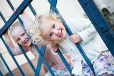 Astrid & Agnes * Photographer: Emmelie Aslin - www.emmelieaslin.se