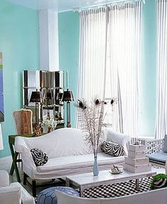 Breakfast at Gigi's: Little Blue Decor Blue Decoratiom #interiordesign #moderndecor #lamps #canada #bluedecor #blue