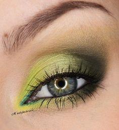 Spring around on Makeup Geek eye #eyes #makeup #eyeshadow #dramatic #bright #smoky #eye
