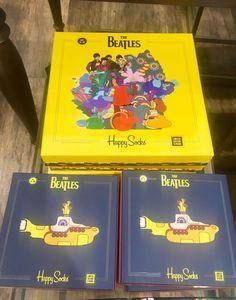 Hootsuite Happy Socks, The Beatles, Cover, Books, Livros, Colorful Socks, Beatles, Book, Libri