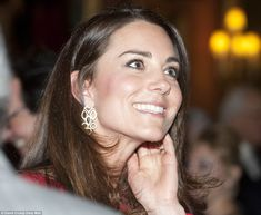 Duchess of Cambridge is regal in red as she recycles Alexander McQueen dress for Buckingham Palace party | Mail Online