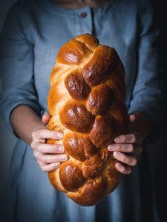 Vianočka aj brioška - maslové cesto z kvásku - Zo srdca do hrnca Challah, Pretzel Bites, Sausage, Bakery, Food And Drink, Bread, Snacks, Meals, Cooking