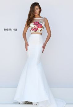 Sherri Hill 32352 white and flowers can be so pretty from #sherrihill