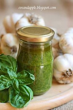 Eve and Apple: szósz Pesto, Cooking Recipes, Healthy Recipes, Healthy Food, Pickles, Salad Recipes, Cucumber, Nom Nom, Mason Jars