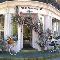 🎀 IG friendly 😊 @peggyporschenofficial 🎀 • • • #timeoutlondon #prettycitylondon #lovelondon #bbcbritain #thisislondon #bestintravel #ukpotd #visitlondon #london_only #londonforyou #takemethere #guardiantravelsnaps #tasteintravel #secretlondon #explorelondon #mytinyatlas #mynativelondon #prettycitylondon #londonforyou #londoners #chelsea #architecture #buildingdreams #peggyporschen #vintage #londoncoffeeshops #london #mydarlinglondon #topphoto #prettylittlelondon #iglondon #prettycity