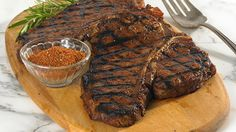 Grilled T-Bone Steaks with Garlic Chili Rub Thrifty Foods - Recipe - Grilled T-Bone Steaks with Garlic Chili Rub Best Pictur. - My Website 2020 Tender Steak, Juicy Steak, Steak Recipes, Cooking Recipes, Cooking Tips, Grilled T Bone Steak, Dove Chocolate Discoveries, Steak Rubs, Grilling Tips