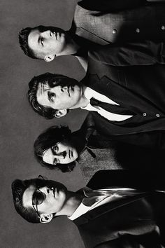 Arctic Monkeys.. I WANT TO GO SEE THEM SO BADLY.