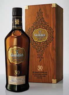 Stolzle Flaconnage created the new bottle for Glenfiddich in a uniquely-coloured glass for its 30 Year Old Single Malt