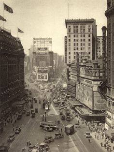 new york 1920's.  Oh my gosh!!! The holy grail photo I've been searching for. Times Square 1920s