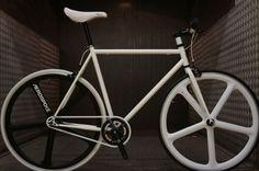 Fabrik Fixie Single Speed bike - Black & White with Aerospoke Fabrik Cycles