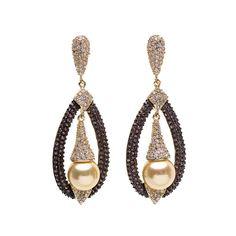 #Pendientes elaborados en #plata 925 #bañada en #oro y decorados con #circonitas de varias tonalidades y #perlascultivadas. Esta propuesta se completa gracias a un cómodo cierre a presión. #Joyas #Jewelry #thebestgift #elegance #earrings #gold #pearls #elmejorregalo #meencanta #Qillqabyjoyayplata
