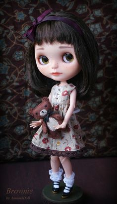 Brownie and her little friend by AlmondDoll, via Flickr