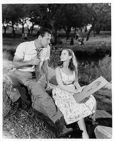 1955 William Holden and Susan Strasberg in a scene from the film 'Picnic' 1955