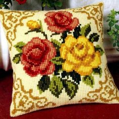 LADIY Cross Stitch Cushion Cover Yarn for Embroidery Cushions Home Decor Cross-Stitch Kit Cross Stitch Borders, Cross Stitch Rose, Cross Stitch Flowers, Cross Stitch Designs, Cross Stitching, Cross Stitch Embroidery, Cross Stitch Patterns, Needlepoint Patterns, Embroidery Patterns