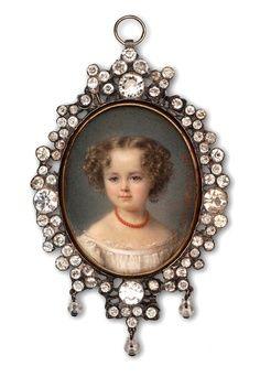 A Private Portrait Miniature Collection: Century Miniatures Victorian Jewelry, Victorian Fashion, Antique Jewelry, Vintage Jewelry, Miniature Portraits, Miniature Paintings, Coral Jewelry, Belle Epoque, Art Nouveau