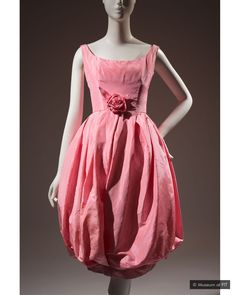 Ravishing: The Rose in Fashion features among its exhibits a Dior silk cocktail dress from 1960 (Credit: Museum at FIT) 1960s Fashion, Pink Fashion, Colorful Fashion, Vintage Fashion, Classic Fashion, Vintage Dior, Women's Fashion, Vestidos Christian Dior, Robes Christian Dior
