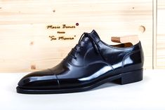 Today we present to Mario Bemer, brother of the late Stefano Bemer. Mens Italian Dress Shoes, Men Dress, Sock Shoes, Shoe Boots, Preppy Men, Black Dress Shoes, Only Shoes, Dream Shoes, Formal Shoes