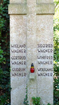 Munich et la Bavière, Louis II et Richard Wagner: Hommage et recueillement au cimetière de Bayreuth
