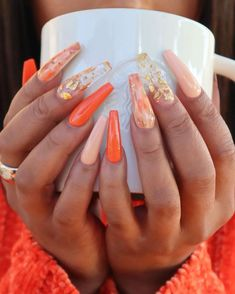 Semi-permanent varnish, false nails, patches: which manicure to choose? - My Nails Orange Acrylic Nails, Simple Acrylic Nails, Summer Acrylic Nails, Orange Nails, Summer Nails, Pastel Nails, Gorgeous Nails, Pretty Nails, Cute Fall Nails
