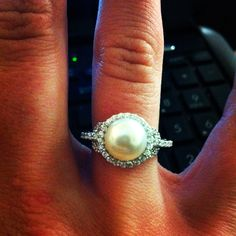would LOVE to have a pearl engagement ring!