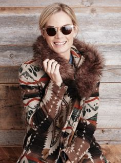 Perfect cold weather outfit: #TOMSeyewear Lobamba sunglasses and a nordic sweater.