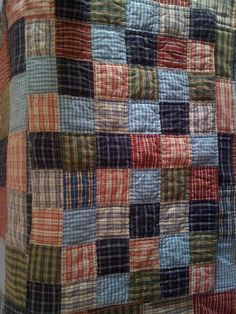 18 Ideas Patchwork Quilting From Shirts Old Quilts, Scrappy Quilts, Easy Quilts, Patchwork Quilting, Flannel Quilts, Plaid Quilt, Shirt Quilts, Colchas Country, Man Quilt