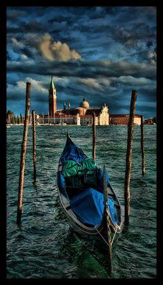 Venice, Waiting For A Ride   ©2017 John Galbreath