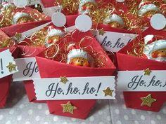 Dollar Store Christmas, Christmas Gift Box, Little Christmas, Christmas Holidays, Christmas Bazaar Crafts, Diy And Crafts, Christmas Crafts, Paper Crafts, Christmas Ornaments
