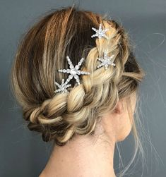 Beautiful loose braided updos bridal hairstyle perfect for any wedding venue - T. - Beautiful loose braided updos bridal hairstyle perfect for any wedding venue - This stunning wedding hairstyle for long hair is perfect for wedding day - Romantic Hairstyles, Wedding Hairstyles For Long Hair, Wedding Hair And Makeup, Up Hairstyles, Hair Makeup, Hairstyle Ideas, Braided Bridal Hairstyles, Hair Ideas, Hairstyles For Weddings