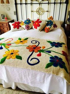 20 Color Embroidery Bed Wrap Cover and Pillow Models Mexican Embroidery, Silk Ribbon Embroidery, Crewel Embroidery, Hand Embroidery Designs, Embroidery Patterns, Mexican Bedroom, Bed Wrap, Bed Runner, Bed Covers