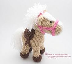 This is a Crochet Pattern for an adorable little horse named Alfalfa. My creative little 8 year old daughter helped me name him :) He is a sweet little guy, and is so fun to make. He is even cuter in real life! The pattern/tutorial includes lots of pictures.