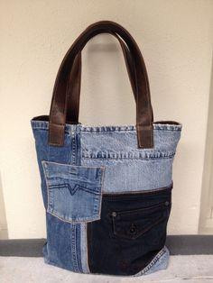 Tas gemaakt van jeans met leer