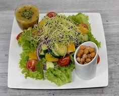 Sugar and Spice | Salat mit Kichererbsencroutons an Senfdressing