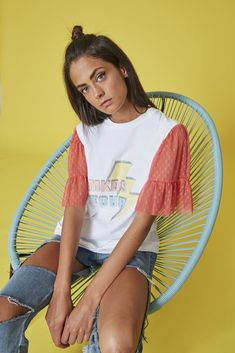Camiseta MKDS TOUR RAYO manga plumeti coral Diy Fashion, Womens Fashion, Fashion Design, Embroidery On Clothes, Shirt Print Design, Girls Jeans, Refashion, Diy Clothes, Shirt Style