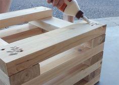 Banc en bois DIY planches bois echelonnees collees