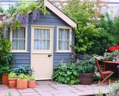 garden shed - this is beautiful hide-away for my garden