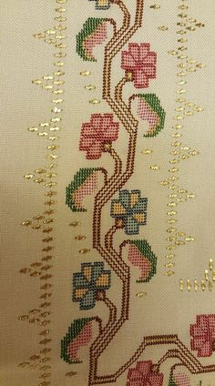This post was discovered by Yener Mercan. Discover (and save!) your own Posts on Unirazi. Christmas Embroidery Patterns, Embroidery Patterns Free, Loom Patterns, Embroidery Stitches, Hand Embroidery, Embroidery Designs, Just Cross Stitch, Cross Stitch Borders, Modern Cross Stitch Patterns