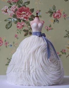Wedding dress cake - Cake by Janette Bakes