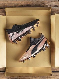 Best Soccer Shoes, Best Soccer Cleats, Soccer Gear, Soccer Fans, Play Soccer, Football Cleats, Puma Football Boots, Cool Football Boots, Soccer Boots