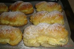 Die besten Milchbrötchen mit Vanillecreme Time and again I read how delicious they are. Small Batch Waffle Recipe, Easy Belgian Waffle Recipe, Best Pancake Recipe, Waffle Recipes, Baking Recipes, Cake Recipes, Dessert Recipes, Mini Desserts, Pudding Desserts