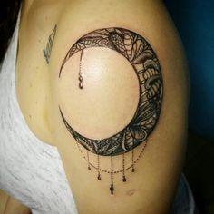 Moon mandala design #tattoo #antalyaaksamlari #tattoobyhasan #mandala #moon #tattoodesign #instacolor #gecemesaisi