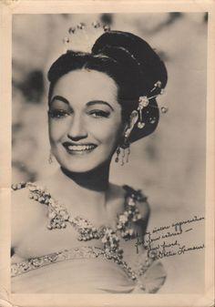 Dorothy Lamour, Queens, Mona Lisa, Cinema, Hollywood, Vintage, Actresses, Movies, Vintage Comics